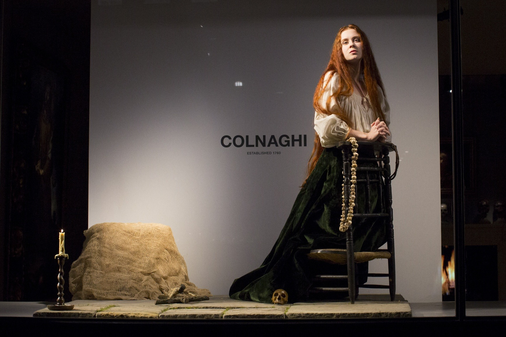 A BLEND OF FASHION & ART UNDER THE CREATIVE SPACE OF COLNAGHI GALLERY