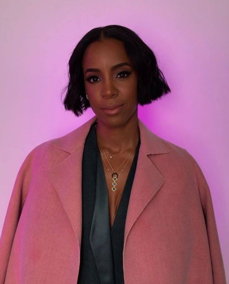 KELLY ROWLAND SLAYS IN EMERALD GREEN POWERSUIT BY AKRIS OFFICIAL