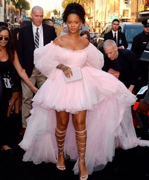 Rihanna Wore a Giambattista Valli Couture gown to Hollywood premiere of Valerian