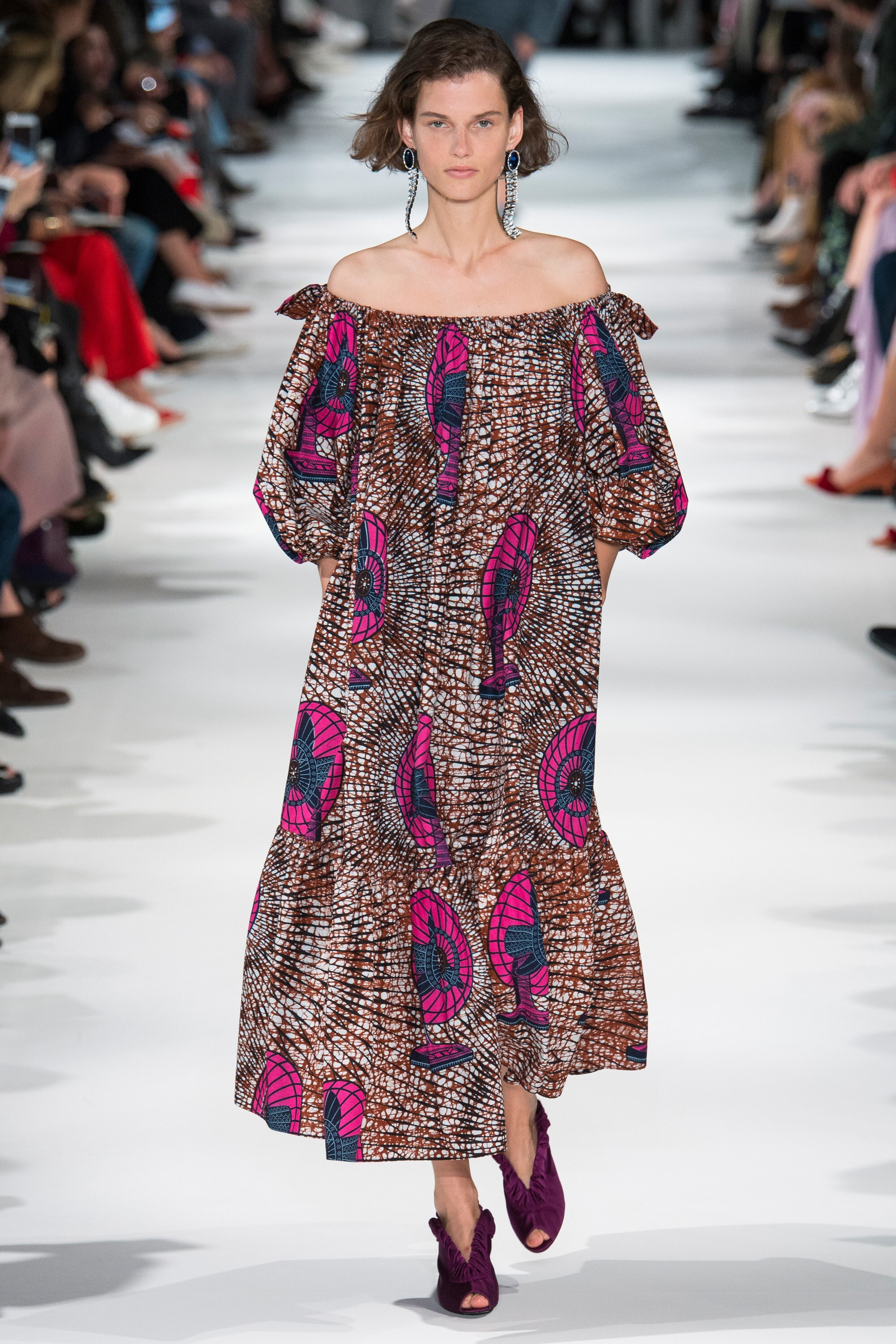 """FUNCTIONAL"" African Print Spotted During Stella McCartney SS18 Collection"
