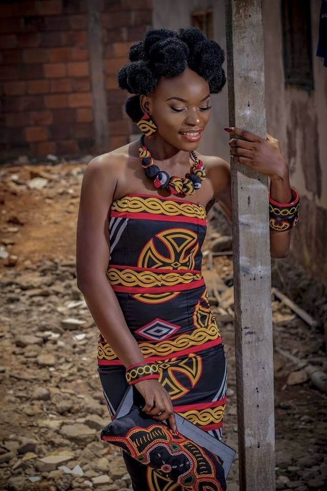 MIMI AKEH LOOKS LIKE A WAKANDA PRINCESS IN ATOGHU PRINT FABRIC