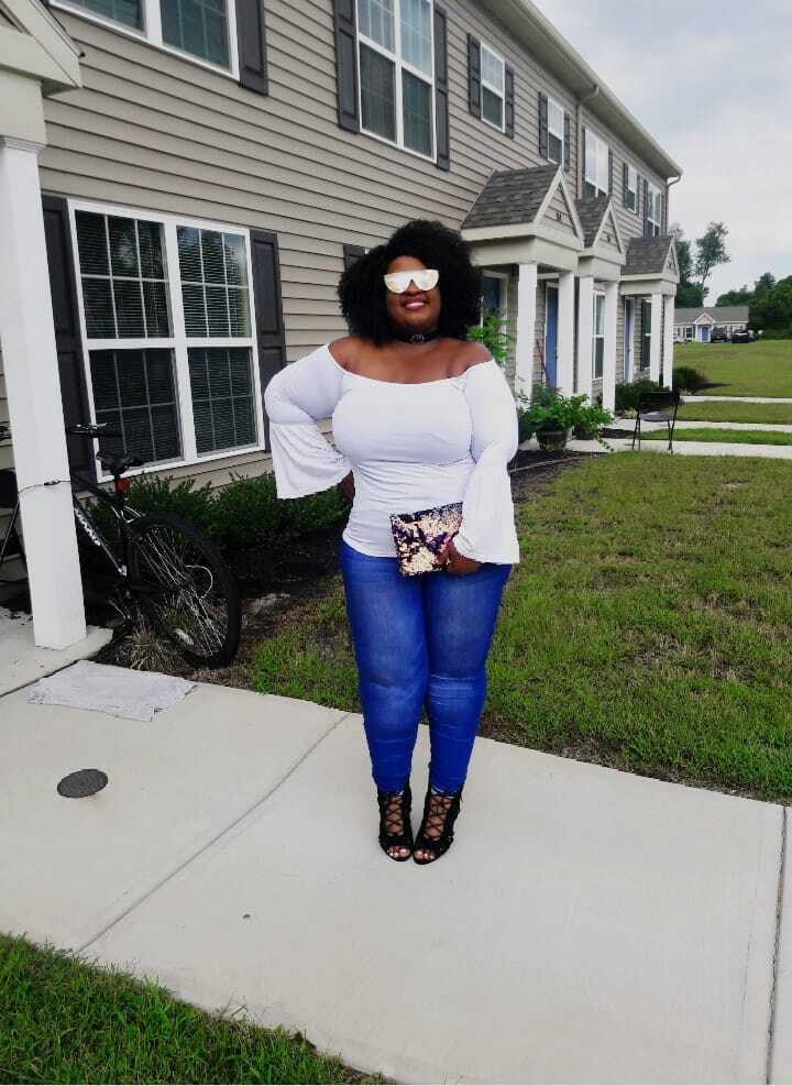 Skinny jeans and off-shoulder top