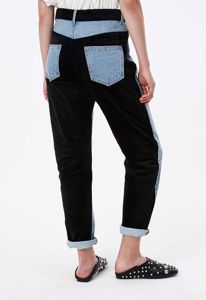 Back pockets color block denim