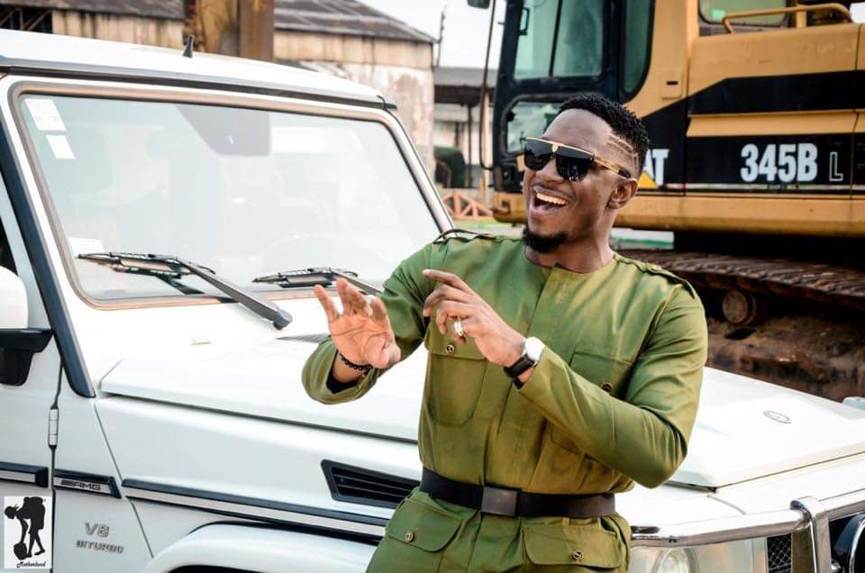 Stanley Enow celebrates his birthday in army green khaki BY Whizz Kliff design